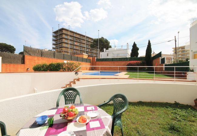 Apartment in L'Escala - Maribel
