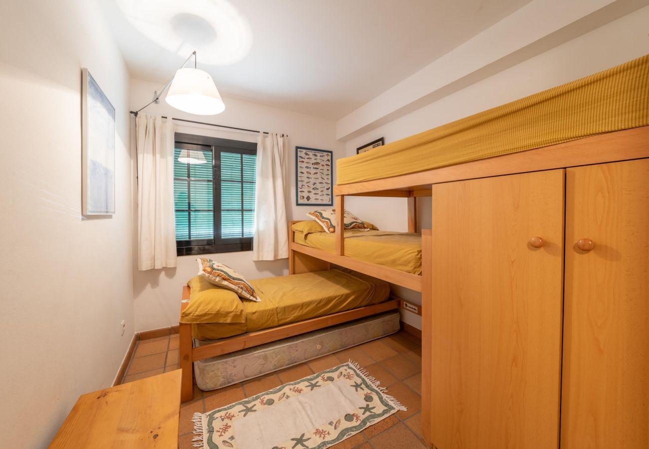 Apartment in L'Escala - Aina